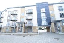 Flat to rent in Quayside Drive...