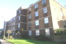 Flat in Woolmead Avenue