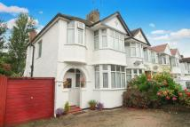 3 bed End of Terrace house for sale in Colin Gardens
