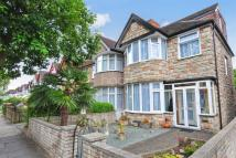 4 bedroom End of Terrace property in Winchester Avenue