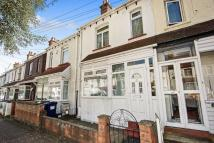 3 bed Terraced house for sale in Annesley Avenue