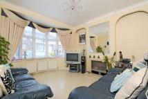 3 bedroom Terraced property in Woodend, Crystal Palace...