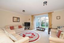 Detached property in Bell Meadow, Dulwich Wood
