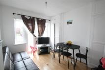 Flat in Braund Avenue, Greenford...