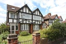 3 bedroom Detached property to rent in Greenford, UB6