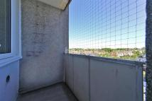 2 bedroom Flat to rent in Greenlaw Court...
