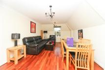 Flat to rent in West End Road, Ruislip...