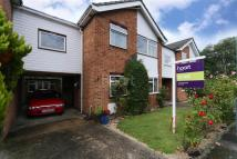3 bed semi detached home to rent in Ruislip