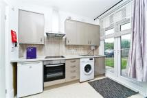 Flat to rent in Nower Hill, Pinner, HA5