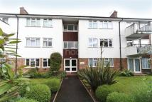 2 bed Flat in Location, Location...