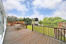 Thames Bungalow to rent