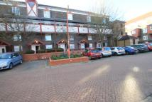 2 bed Maisonette in Guiver Court, EN8