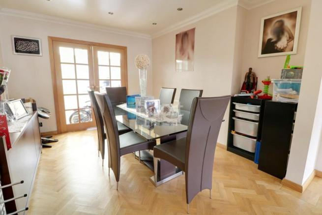 3 Bedroom Semi Detached House For Sale In Edinburgh Crescent