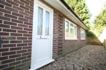 Bungalow to rent in BUCKHURST HILL IG9