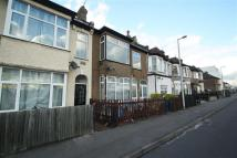 3 bedroom Detached property to rent in Grove Road, E18