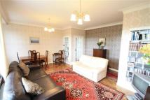 2 bed Flat to rent in Parkside...