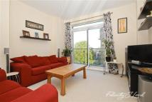 Apartment to rent in Birdwood Avenue, SE13