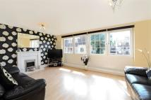 3 bed Flat in Lawrence Close, E3