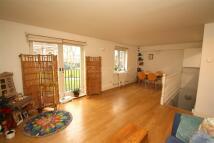 2 bedroom Flat to rent in St Matthew's Row, E2