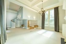 Flat for sale in Lothbury, EC2