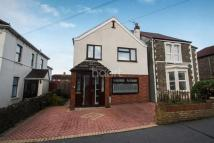 Detached property in Mayfield Park