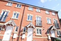 4 bed Terraced home in Potterswood Close