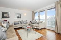 2 bedroom Flat in New Providence Wharf, E14
