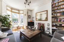 3 bedroom Maisonette in Sandringham Road, E8