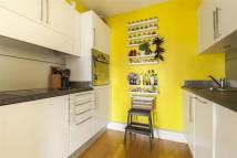 1 bedroom Flat in Kingsland Passage, E8