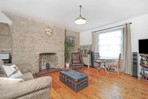 Flat for sale in Lea Bridge Road, E5