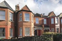 2 bedroom Flat in Avondale Road, London...
