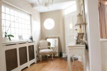 3 bedroom semi detached home in Osidge Lane