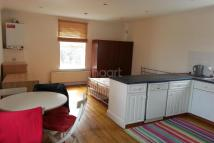 Flat to rent in Arnos Grove, N11