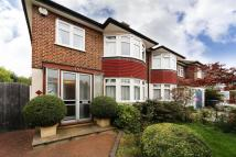 3 bedroom semi detached house to rent in Perfect Family Home, N21