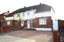 3 bed semi detached property for sale in Parkside Avenue