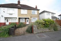 2 bedroom Maisonette for sale in Southend Arterial Road