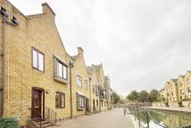 3 bed Terraced house in Waterman Way, Wapping...