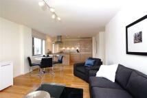 Flat in Blenheim Apartments, E1