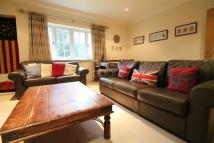 Flat to rent in Tennyson Court...