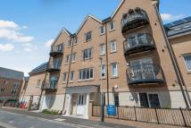 2 bed Flat for sale in Hayes End