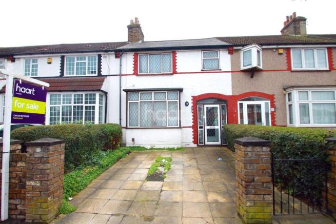 bedroom terraced house for sale in north hayes ub4