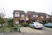 4 bed End of Terrace home to rent in Oriole Close...