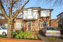 1 bedroom Flat in Grenfell Avenue