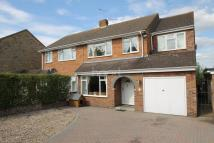 4 bedroom semi detached house in Ashbury Avenue