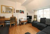 2 bed Flat for sale in Streatham Road, Mitcham