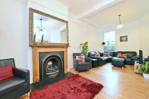 4 bedroom Terraced property for sale in Amesbury Ave...