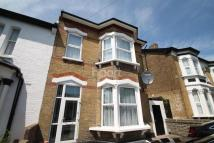 2 bed Flat in Hainault Road...