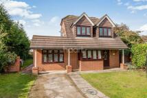 4 bedroom Detached house in Target Close, Feltham