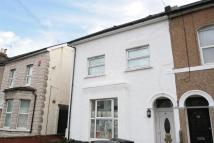 2 bedroom Flat in Holmesdale Road South...