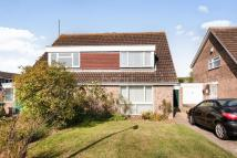 3 bed semi detached house in Hunts Path